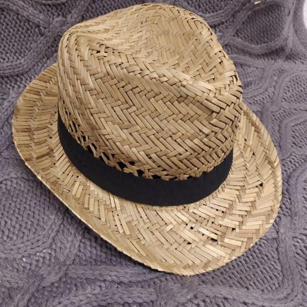 Markowy kapelusz Cropp słomiany