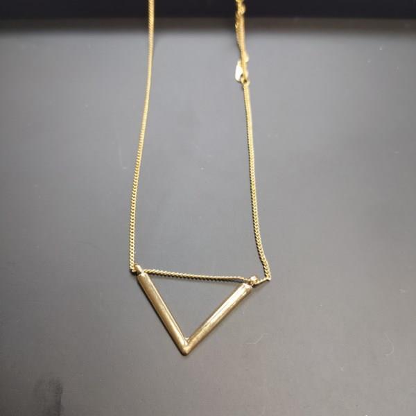Markowy łańcuszek House złoty trójkąt