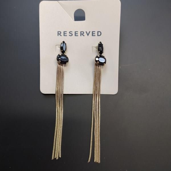 Markowe kolczyki Reserved czarne z łańcuszkiem