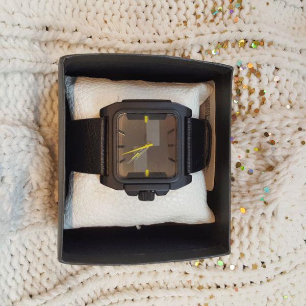 Zegarek RESERVED-21134