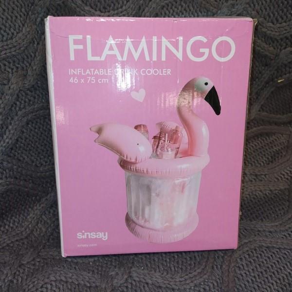 Markowy flaming Sinsay do chłodzenia napojów