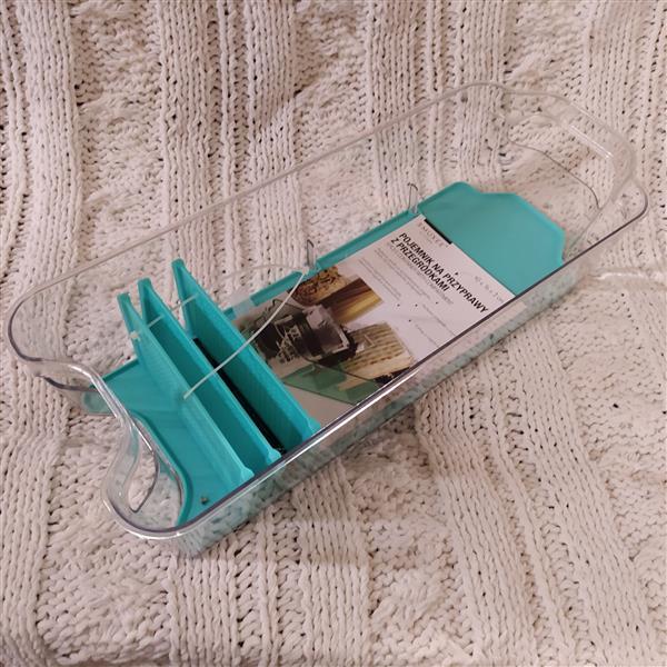 Pojemnik na przyprawy z przegródkami