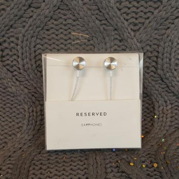 Słuchawki RESERVED