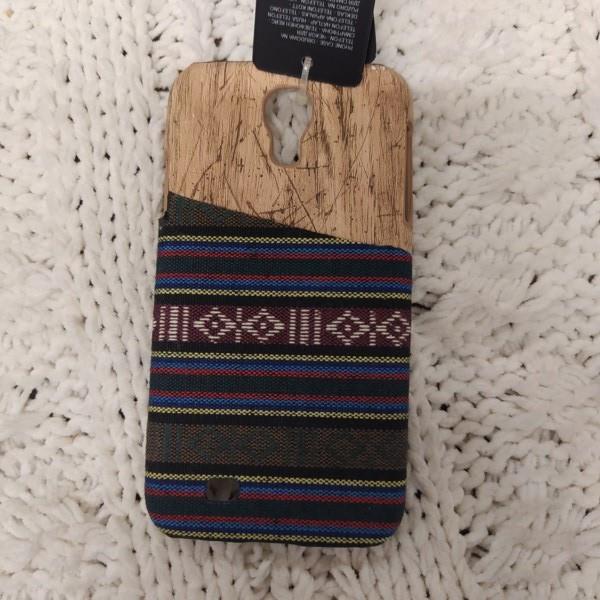 Markowe etui Cropp Samsung Galaxy S4 aztecki wzór-26411